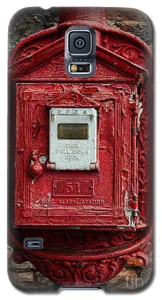 Fireman - The Fire Alarm Box Galaxy S5 Case by Paul Ward