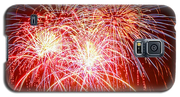 Fireworks In Red White And Blue Galaxy S5 Case by Robert Hebert