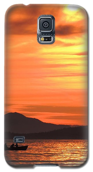 Fish Into The Sunset Galaxy S5 Case by Karen Horn
