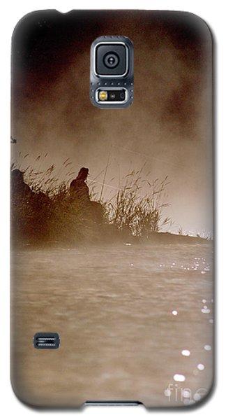Fisher In The Mist Galaxy S5 Case by Sharon Elliott