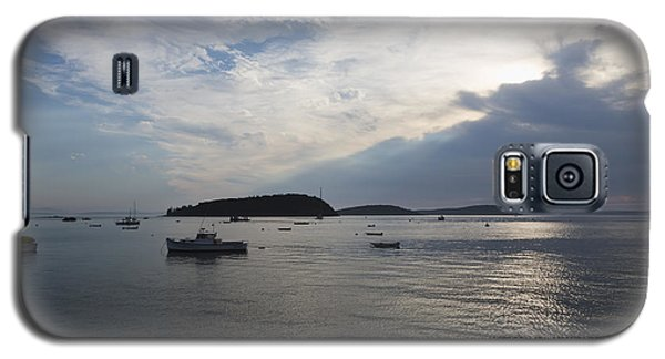 Galaxy S5 Case featuring the photograph Fisherman's Bay by Gary Smith