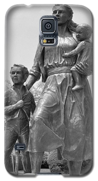 Fishermen's Wives Memorial Galaxy S5 Case