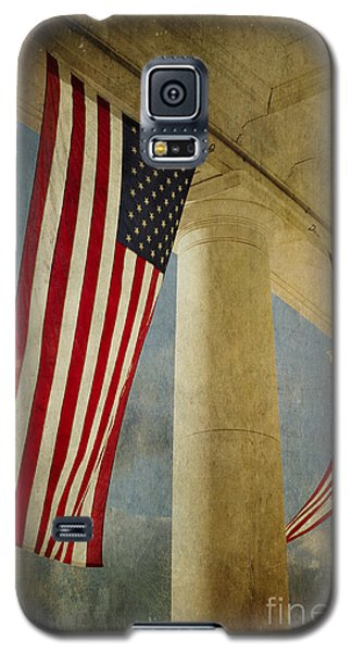 Galaxy S5 Case featuring the photograph Flags Over Arlington by Terry Rowe