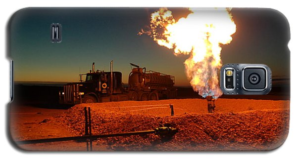Flare And A Vacuum Truck Galaxy S5 Case by Jeff Swan