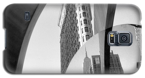 Galaxy S5 Case featuring the photograph Flat Iron Building Empire State Mirror by Dave Beckerman