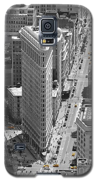 Galaxy S5 Case featuring the photograph Flatiron Building by Randi Grace Nilsberg