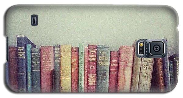 School Galaxy S5 Case - Floating Books by Jill Tuinier