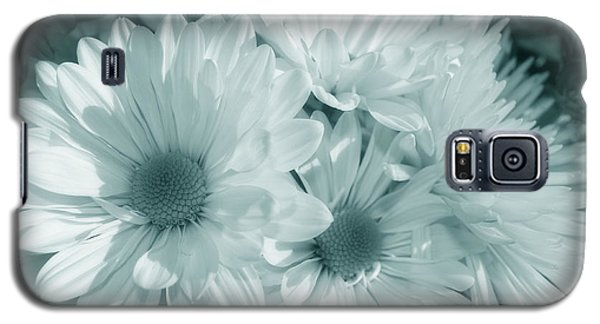 Galaxy S5 Case featuring the photograph Floral Serendipity by Cathy  Beharriell