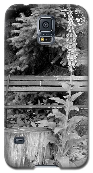 Galaxy S5 Case featuring the photograph Flower And Bench by Patricia Januszkiewicz
