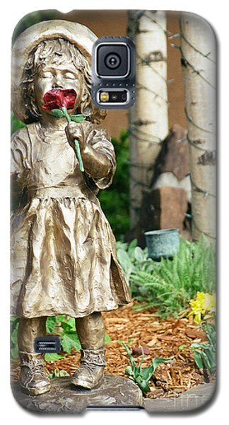 Flower Girl Galaxy S5 Case by Vinnie Oakes
