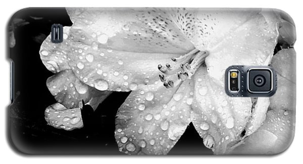 Flower With Water Drops Galaxy S5 Case