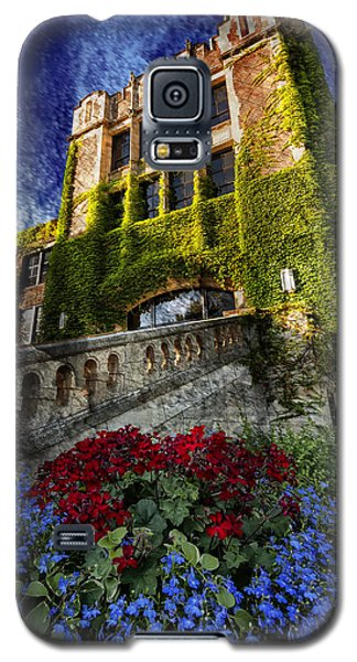 Flowers At Somsen Hall Galaxy S5 Case