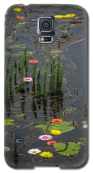 Flowers In The Markree Castle Moat Galaxy S5 Case