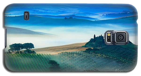 Fog In Tuscan Valley Galaxy S5 Case by Inge Johnsson