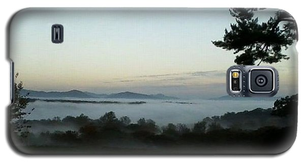 Fog Mountain Lake Galaxy S5 Case