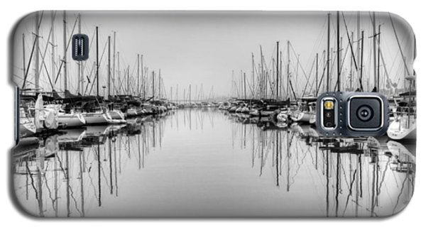 Galaxy S5 Case featuring the photograph Foggy Autumn Morning - Black And White by Heidi Smith