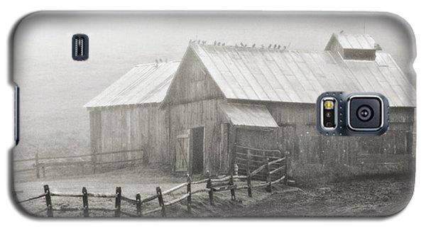 Galaxy S5 Case featuring the photograph Foggy Barn by Joan Davis
