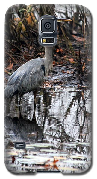 Galaxy S5 Case featuring the photograph Foggy Bog Heron by Kenny Glotfelty