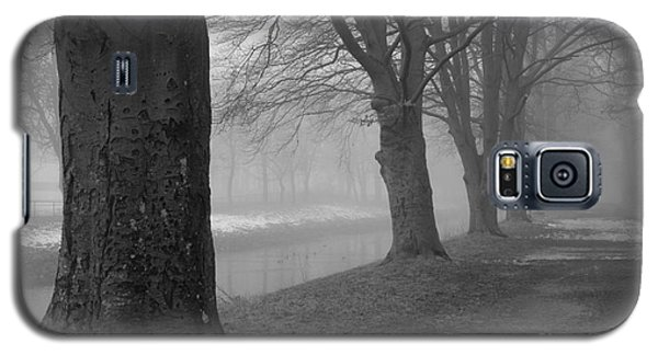 Galaxy S5 Case featuring the photograph Foggy Day by Randi Grace Nilsberg