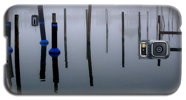 Galaxy S5 Case featuring the photograph Foggy Harbor by Robert Riordan