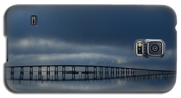 Galaxy S5 Case featuring the photograph Foggy Mirrored Navarre Bridge At Sunrise by Jeff at JSJ Photography