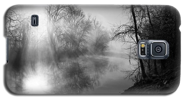 Foggy Misty Morning Sunrise On James River Galaxy S5 Case by Jennifer White