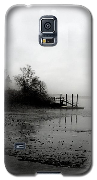 Foggy Pier In January Galaxy S5 Case by Margie Avellino