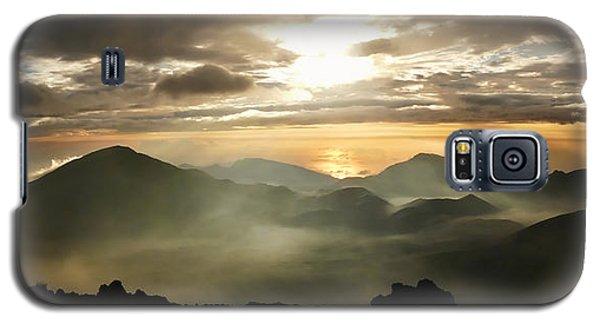 Foggy Sunrise Over Haleakala Crater On Maui Island In Hawaii Galaxy S5 Case