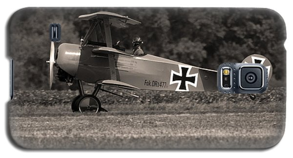 Galaxy S5 Case featuring the photograph Fokker Dr1477 Triplane by Timothy McIntyre