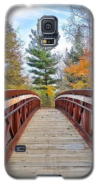 Foot Bridge In Fall Galaxy S5 Case