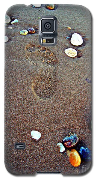 Galaxy S5 Case featuring the photograph Footprint by Nina Ficur Feenan
