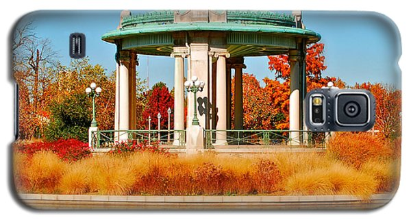 Galaxy S5 Case featuring the photograph Forest Park Gazebo by Peggy Franz