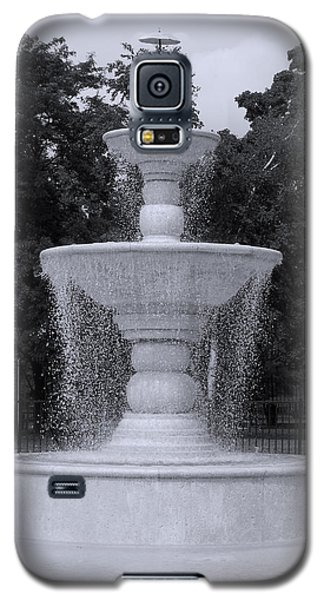 Fountain By The Pool Galaxy S5 Case