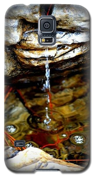 Galaxy S5 Case featuring the photograph Fountain Drops by Tara Potts