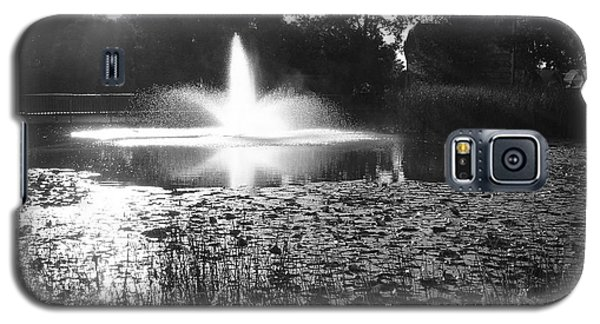 Galaxy S5 Case featuring the photograph Fountain by Ginny Gaura