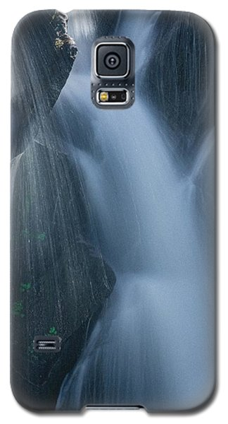 Fountain Nature Galaxy S5 Case