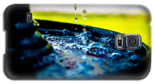 Galaxy S5 Case featuring the photograph Fountain Of Time by Mez