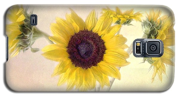 Galaxy S5 Case featuring the photograph Hello Sunshine by Louise Kumpf