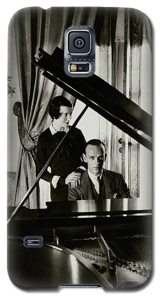 Fred And Adele Astaire At A Piano Galaxy S5 Case by Cecil Beaton