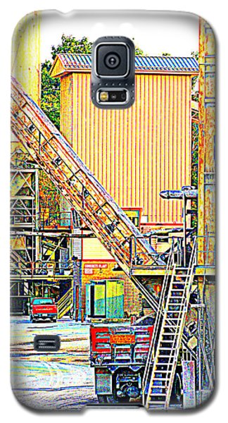 Galaxy S5 Case featuring the photograph Fred And Barney At Work The Quarry At Ashcom Pa by Mary Beth Landis