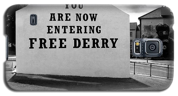 Galaxy S5 Case featuring the photograph Free Derry Corner by Nina Ficur Feenan