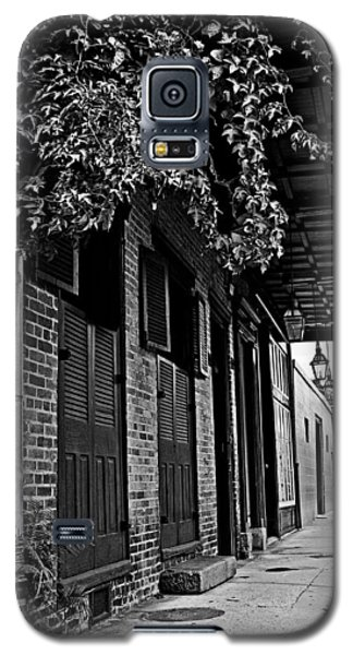 French Quarter Sidewalk Galaxy S5 Case by Andy Crawford