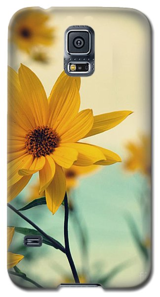 Fresh Linen 1 Galaxy S5 Case by France Laliberte