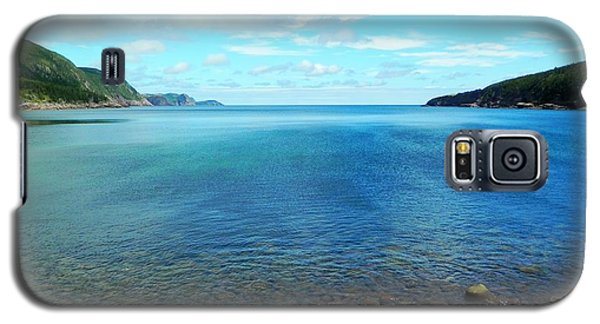 Galaxy S5 Case featuring the photograph Freshwater Bay by Zinvolle Art