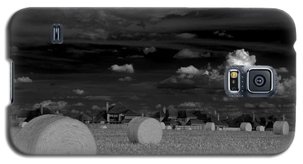 Galaxy S5 Case featuring the photograph Frisco Dream by Darryl Dalton