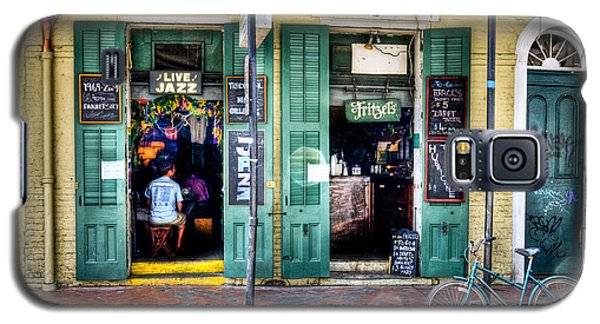 Galaxy S5 Case featuring the photograph Fritzels Bar On Bourbon Street by Ray Devlin