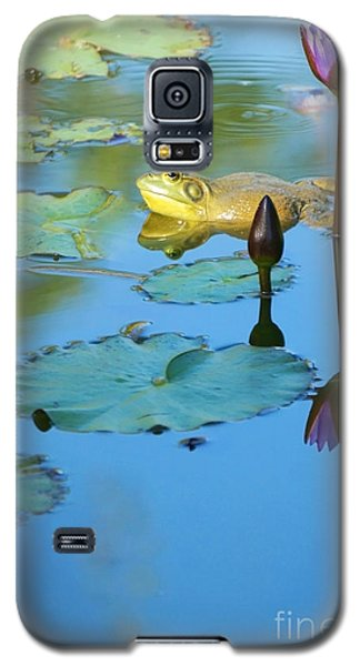 Galaxy S5 Case featuring the photograph Frog And Lily by Ellen Cotton
