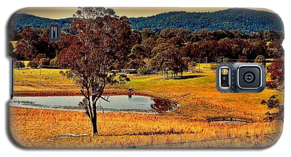 Galaxy S5 Case featuring the photograph From A Distance by Wallaroo Images