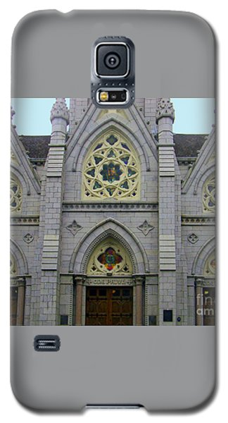 Galaxy S5 Case featuring the photograph Front Of Church by Gena Weiser