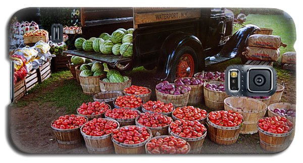 Galaxy S5 Case featuring the photograph Fruit And Vegitable Stand Truck by Tom Brickhouse